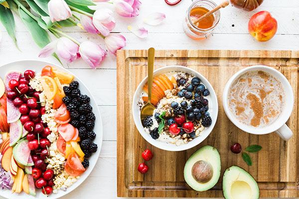 Bệnh nhân ăn kiêng nên ăn hoa quả