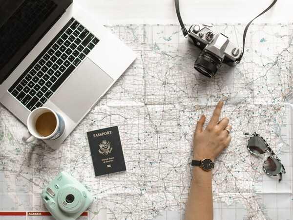 Nếu đi du lịch nước ngoài, người bệnh nên lưu ý chuẩn bị thêm đơn thuốc bằng tiếng Anh
