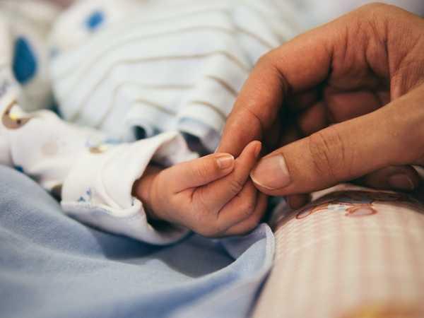 Mẹ bầu cần hết sức lưu ý đến sức khỏe của thai nhi cả trước và sau sinh