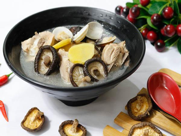 Thịt vịt nấu nấm hương món ăn để tăng khả năng sinh lý cho bệnh nhân tiểu đường