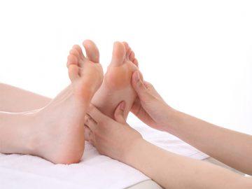 Nguyên nhân và cách chăm sóc bàn chân cho người bệnh tiểu đường