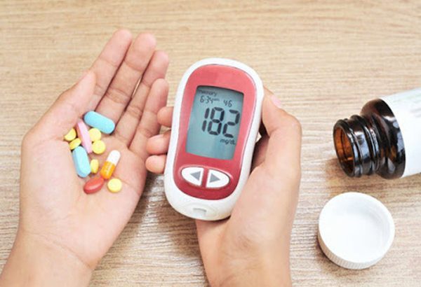 Người bệnh tiểu đường có uống được glucosamin không?