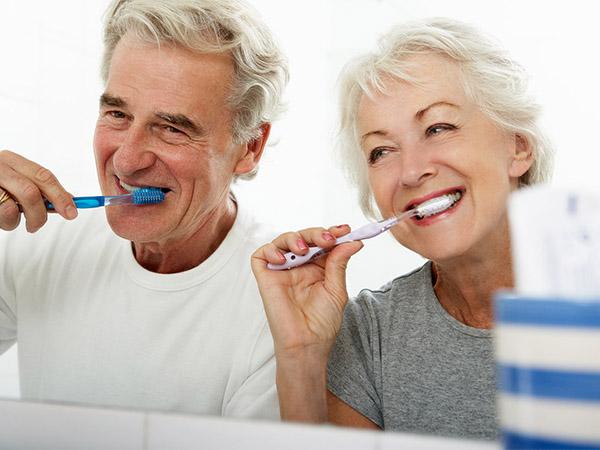 Cách chăm sóc răng miệng cho người tiểu đường