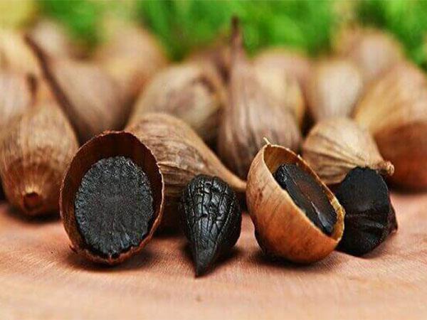 Dùng tỏi đen trị tiểu đường sẽ giúp giảm cholesteron và bảo vệ tim mạch