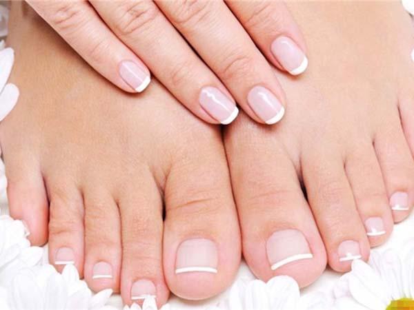 Kiểm tra bàn chân mỗi sáng để kiểm soát bệnh tiểu đường
