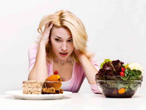 Ăn uống đồ ăn hại sức khỏe là thói quen ăn uống gây bệnh tiểu đường
