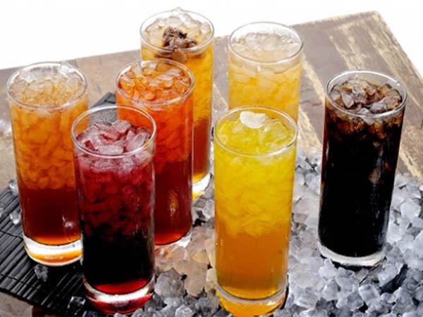 Nước ngọt có ga là thực phẩm người bệnh tiểu đường cần tránh