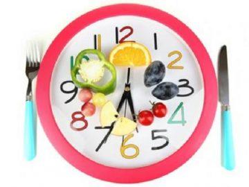 Ăn đúng giờ giúp ngăn ngừa bệnh tim và tiểu đường