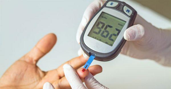 que thử kiểm tra đường huyết